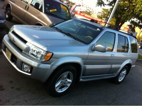 2003 Infiniti QX4 for sale at WEST END AUTO INC in Chicago IL