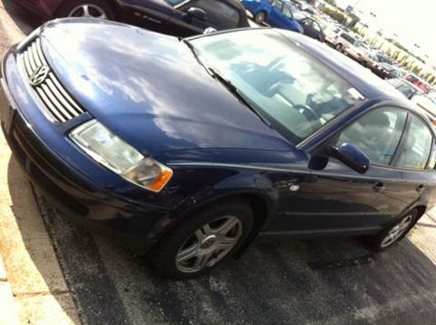2000 Volkswagen Passat for sale at WEST END AUTO INC in Chicago IL