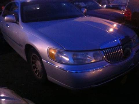 2000 Lincoln Town Car for sale at WEST END AUTO INC in Chicago IL
