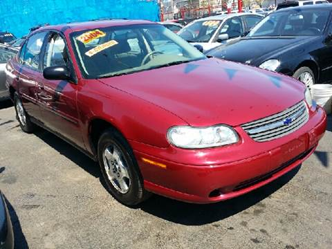 2004 Chevrolet Classic for sale at WEST END AUTO INC in Chicago IL