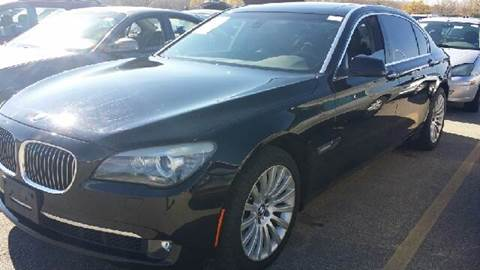 2009 BMW 7 Series for sale at WEST END AUTO INC in Chicago IL