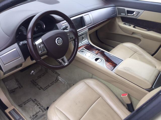 2009 Jaguar XF Premium Luxury 4dr Sedan - Hialeah FL