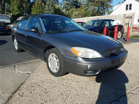 2005 Ford Taurus for sale in Warren, MI