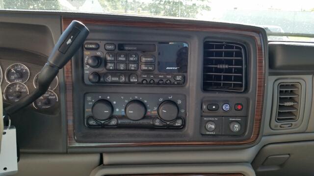 2002 Cadillac Escalade EXT AWD 4dr Crew Cab SB - Warren MI