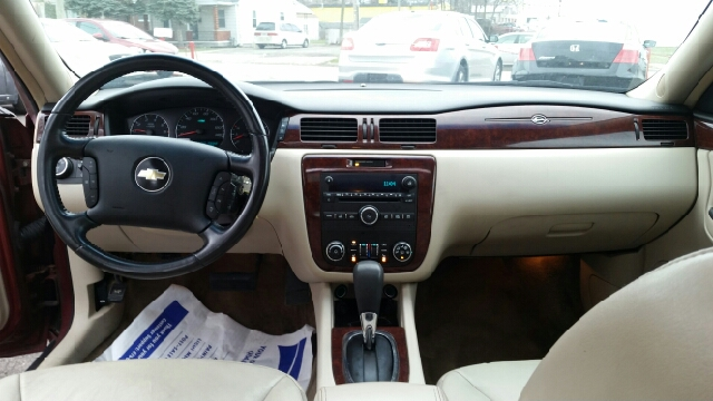 2009 Chevrolet Impala LT 4dr Sedan - Warren MI