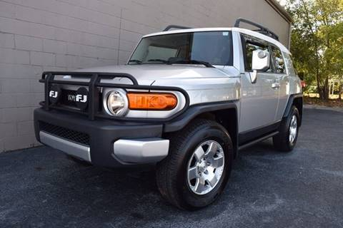 2007 Toyota FJ Cruiser for sale at Precision Imports in Springdale AR