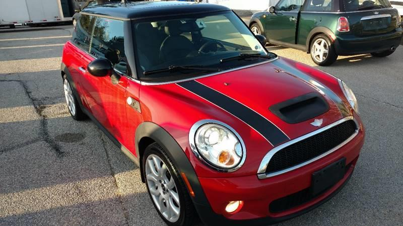 2008 MINI Cooper for sale at JR's Auto Connection in Hudson NH