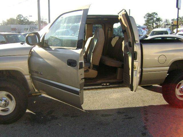 2001 Dodge Ram Pickup 1500 4dr Quad Cab SLT 4WD SB - Macon GA