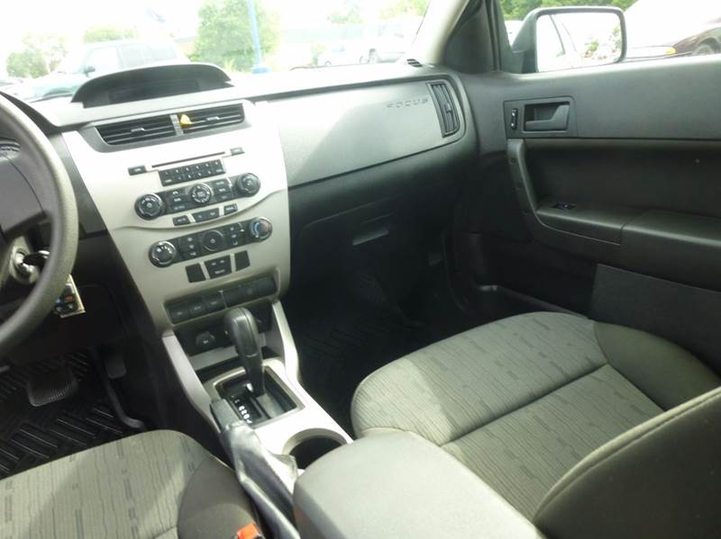 2008 Ford Focus SE 4dr Sedan - Clinton Township MI