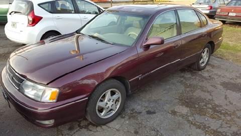1998 Toyota Avalon for sale at Premier Auto Sales Inc. in Newport News VA