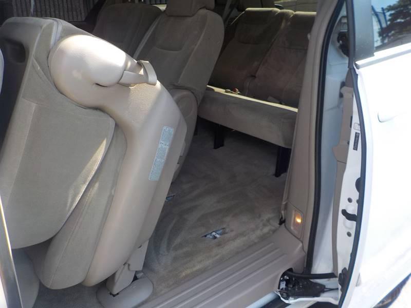 2010 Toyota Sienna LE 8-Passenger 4dr Mini-Van - Springfield MA
