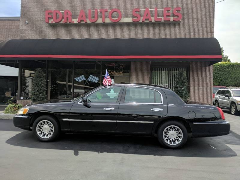 2001 Lincoln Town Car Signature 4dr Sedan - Springfield MA