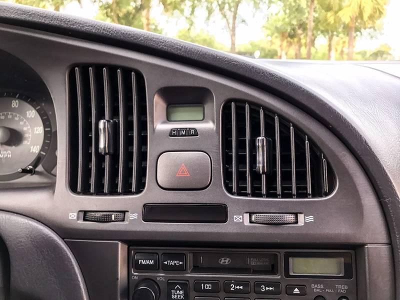 2005 Hyundai Elantra GLS 4dr Sedan - Winter Springs FL