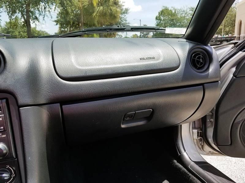 2001 Mazda MX-5 Miata 2dr Roadster - Winter Springs FL