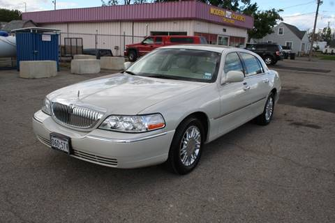 2007 Lincoln Town Car for sale in Westland, MI