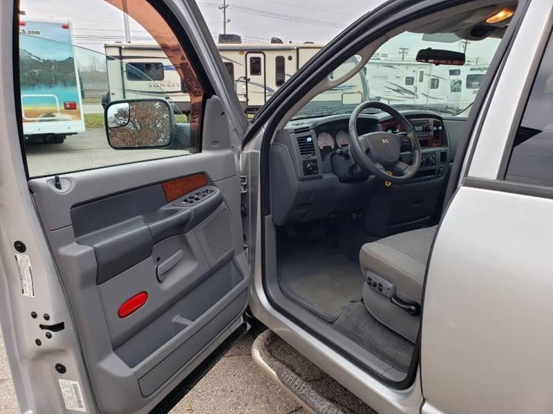 2006 Dodge Ram Pickup 2500 4x2 SLT 4dr Quad Cab 6.3 ft. SB Pickup - Westland MI