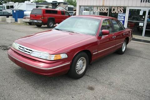 1995 Ford Crown Victoria for sale at Modern Classics Car Lot in Westland MI