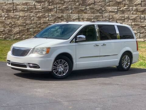 2011 Chrysler Town and Country for sale at Car Hunters LLC in Mount Juliet TN