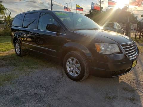 2010 Chrysler Town and Country for sale in Houston, TX