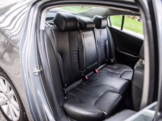 2006 Volkswagen Passat 2.0T 4dr Sedan w/Automatic - Van Nuys CA