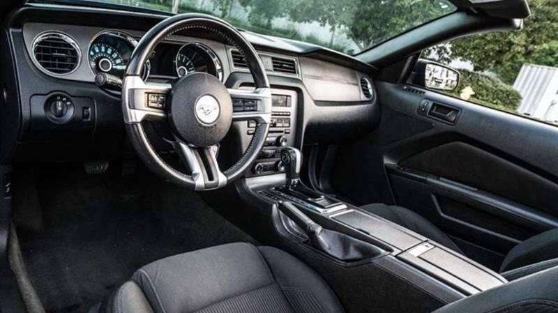 2014 Ford Mustang V6 2dr Convertible - Van Nuys CA