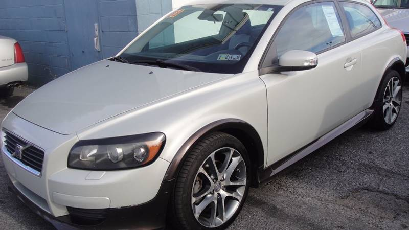 2008 volvo c30 t5 version 2 0 r design 2dr hatchback in allentown pa mayas auto center llc. Black Bedroom Furniture Sets. Home Design Ideas