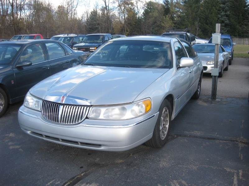 2000 Lincoln Town Car Signature 4dr Sedan In Kentwood Mi All State