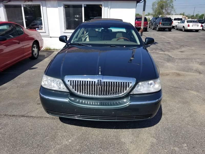 2004 Lincoln Town Car Signature 4dr Sedan In Kentwood Mi All State