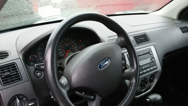 2007 Ford Focus ZX5 SES 4dr Hatchback - Rochester MI