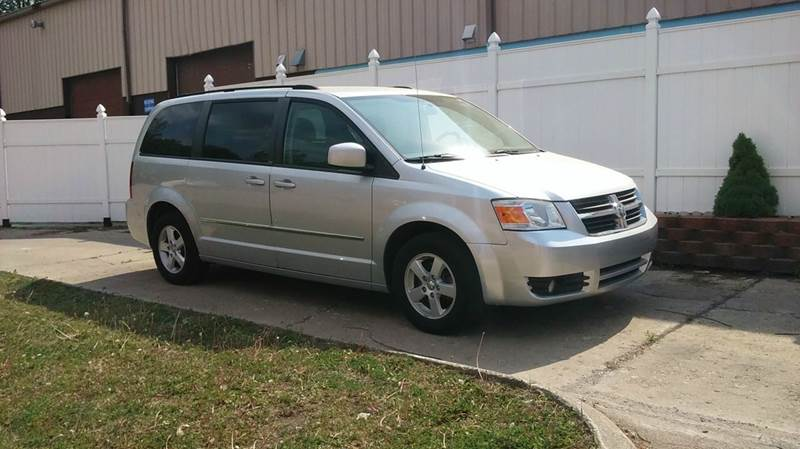 2010 Dodge Grand Caravan SXT 4dr Mini-Van - Rochester MI