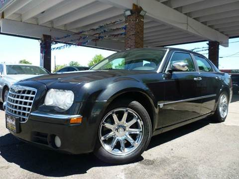 2005 Chrysler 300 for sale at Sindibad Auto Sale, LLC in Englewood CO