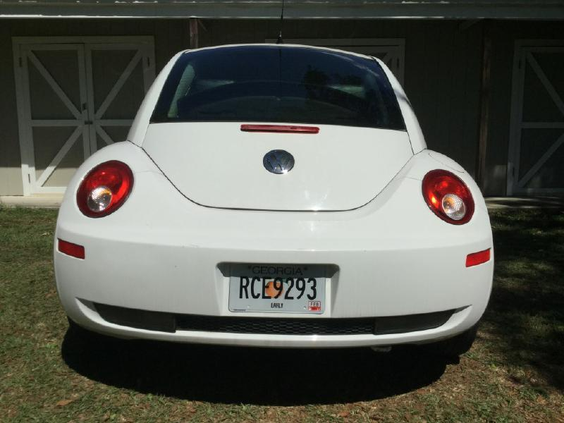 2010 Volkswagen New Beetle Base PZEV 2dr Hatchback 6A - Taylor AL