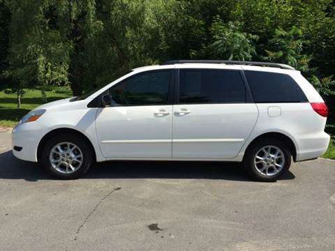 2006 Toyota Sienna for sale at MICHAEL MOTORS in Farmington ME