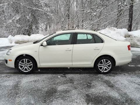 2007 Volkswagen Jetta for sale at MICHAEL MOTORS in Farmington ME