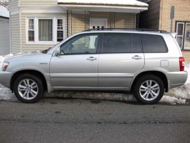 2006 toyota highlander hybrid limited awd 4dr suv in farmington me michael motors. Black Bedroom Furniture Sets. Home Design Ideas