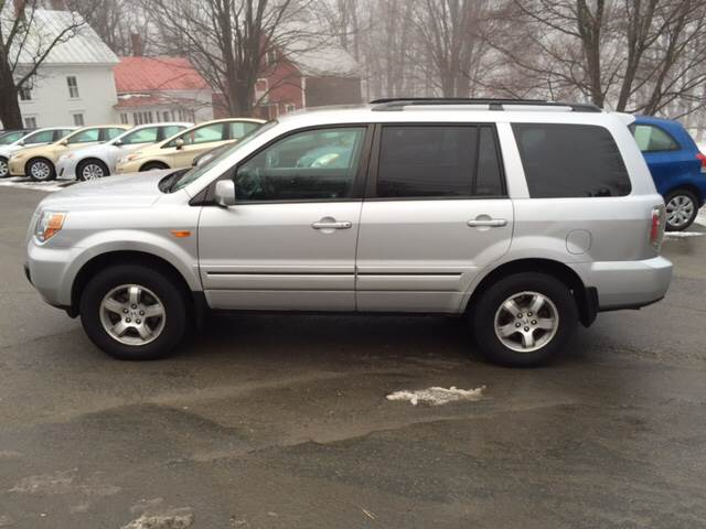 2007 Honda Pilot for sale at MICHAEL MOTORS in Farmington ME