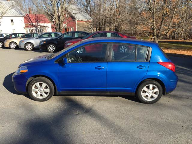 2007 Nissan Versa 18 Sl 4dr Hatchback 18l I4 Cvt In Farmington