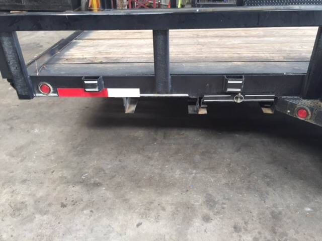 2015 PULL TEXAS TRAILER SUPPLY 83 X 20 GOOSENECK LOWBOY
