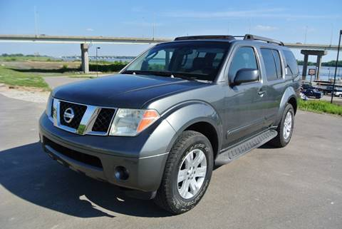 2006 Nissan Pathfinder for sale at BRADNICK PAST & PRESENT AUTO in Alton IL