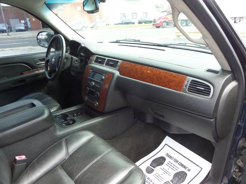 2007 Chevrolet Suburban LT 1500 4dr SUV 4WD - Barberton OH