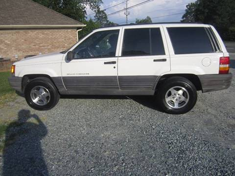 1997 Jeep Grand Cherokee for sale at Maxx Used Cars in Pittsboro NC