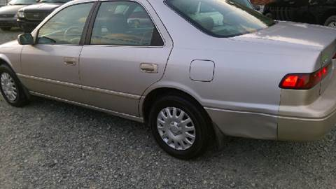 1998 Toyota Camry for sale at Maxx Used Cars in Pittsboro NC