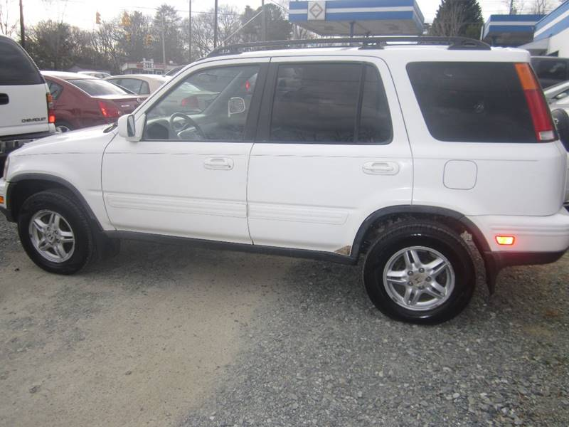 2000 Honda CR-V for sale at Maxx Used Cars in Pittsboro NC