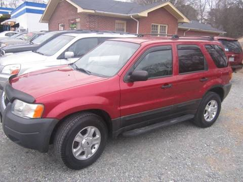 2004 Ford Escape for sale at Maxx Used Cars in Pittsboro NC