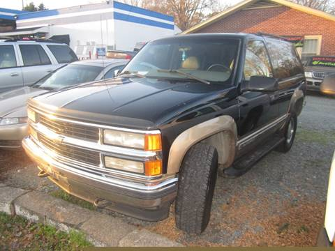 1999 Chevrolet Tahoe for sale at Maxx Used Cars in Pittsboro NC