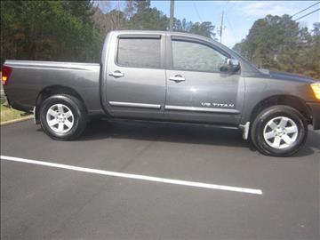 2006 Nissan Titan for sale at Maxx Used Cars in Pittsboro NC
