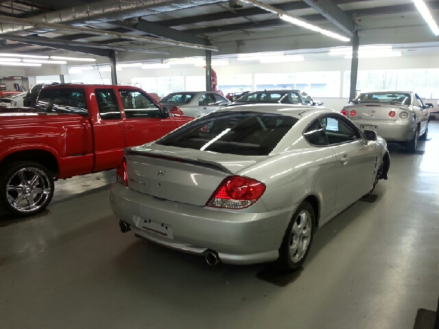 2006 Hyundai Tiburon GS 2dr Hatchback w/Automatic - Knightstown IN