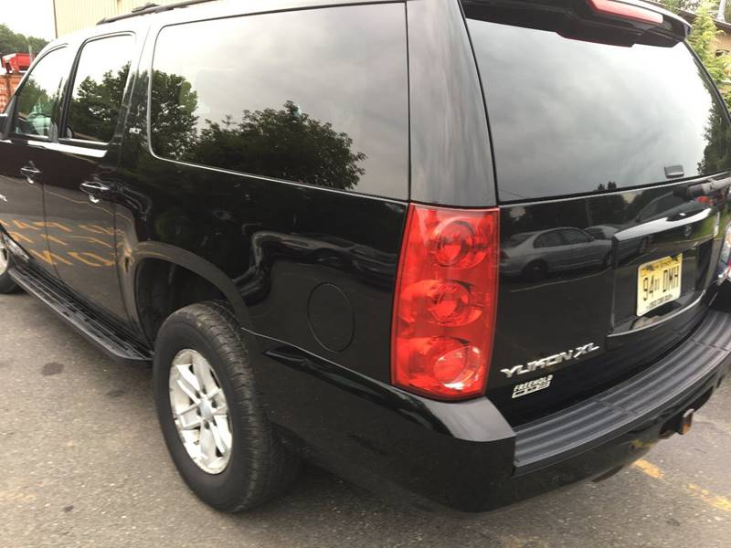 2007 GMC Yukon XL for sale at Central Jersey Auto Trading in Jackson NJ