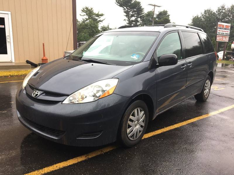 2008 Toyota Sienna for sale at Central Jersey Auto Trading in Jackson NJ