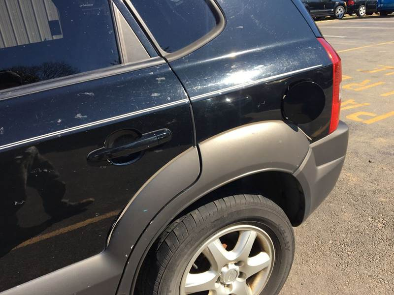 2005 Hyundai Tucson for sale at Central Jersey Auto Trading in Jackson NJ